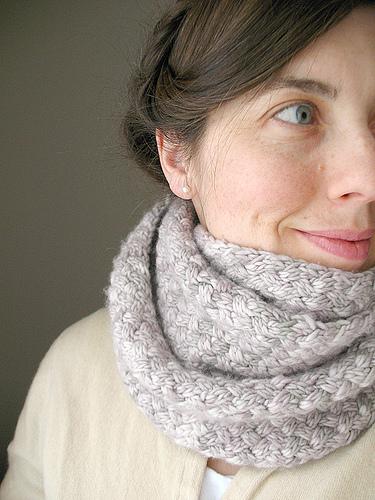 stitch patterns, knitting, knitting patterns, free knitting patterns, infinity scarf, cowl, snood, basketweave stitch, knitting blog uk, knitting blog, knitwear