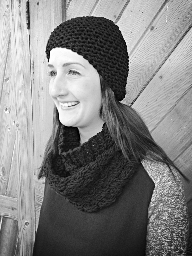 half and half hat and scarf set, knitting blog uk,