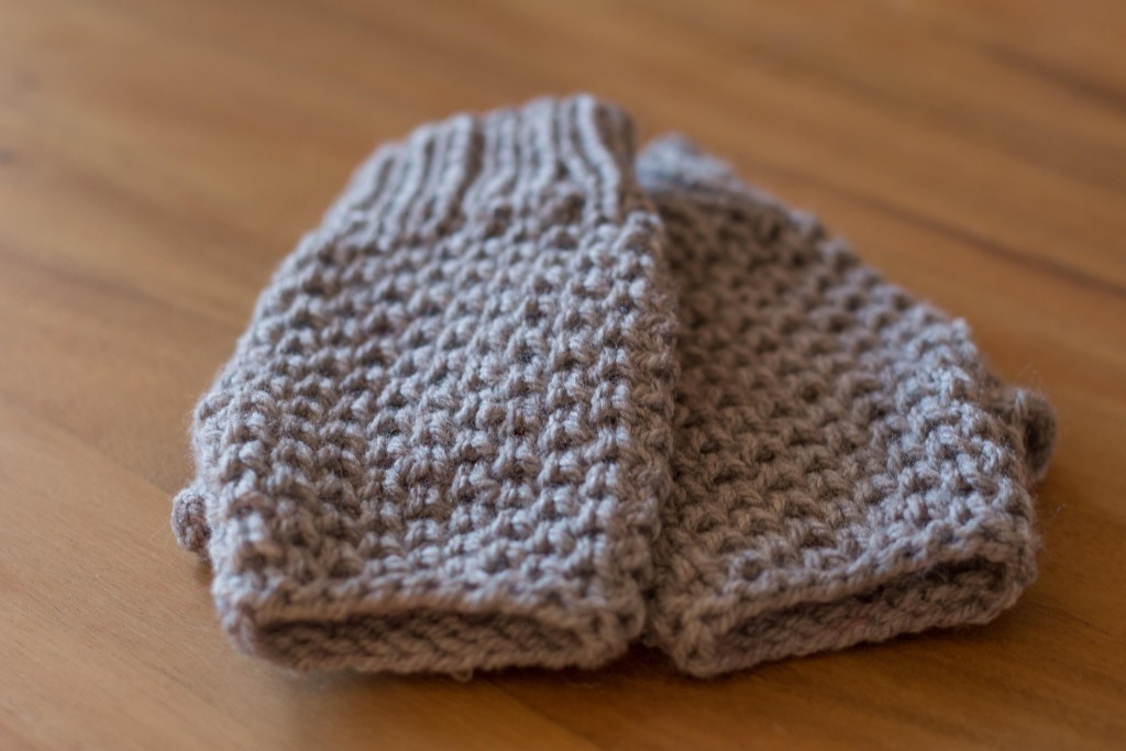Heart Mittens - free knitting pattern Shortrounds