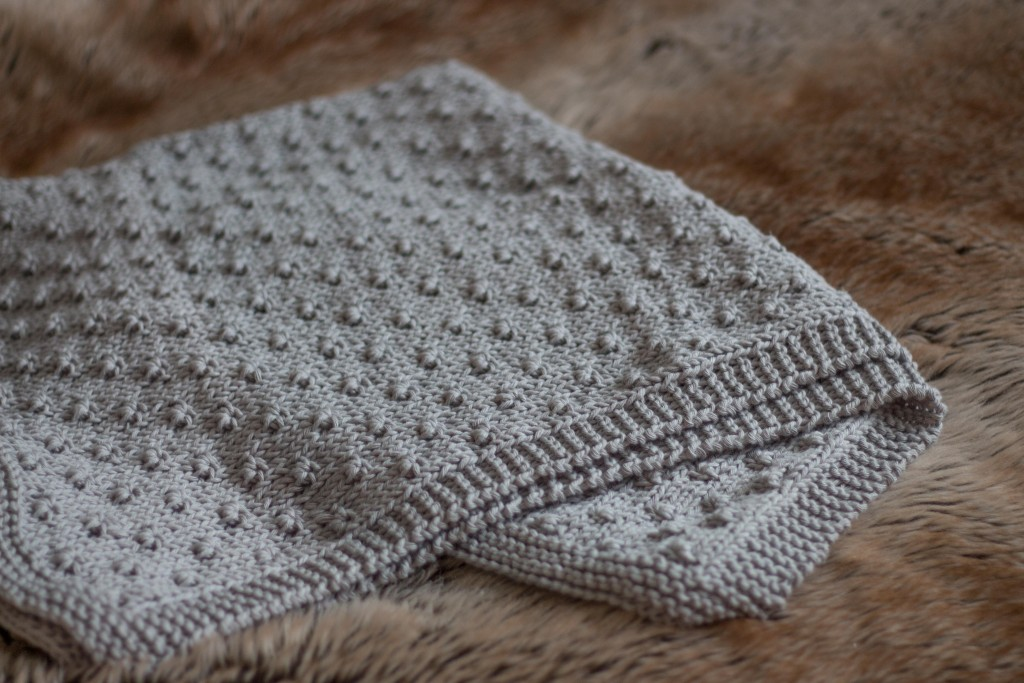 Knot stitch baby blanket - free knitting pattern Shortrounds