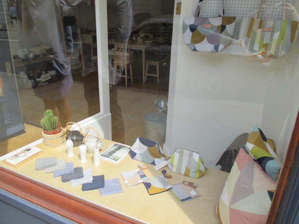 Shop window - Shortrounds Knitwear