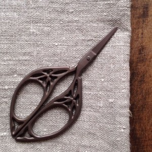Yozo scissors antique style | Shortrounds Knitwear