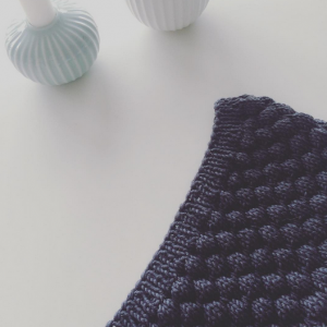 Bubble stitch by Knittingbykjersti| Shortrounds Knitwear