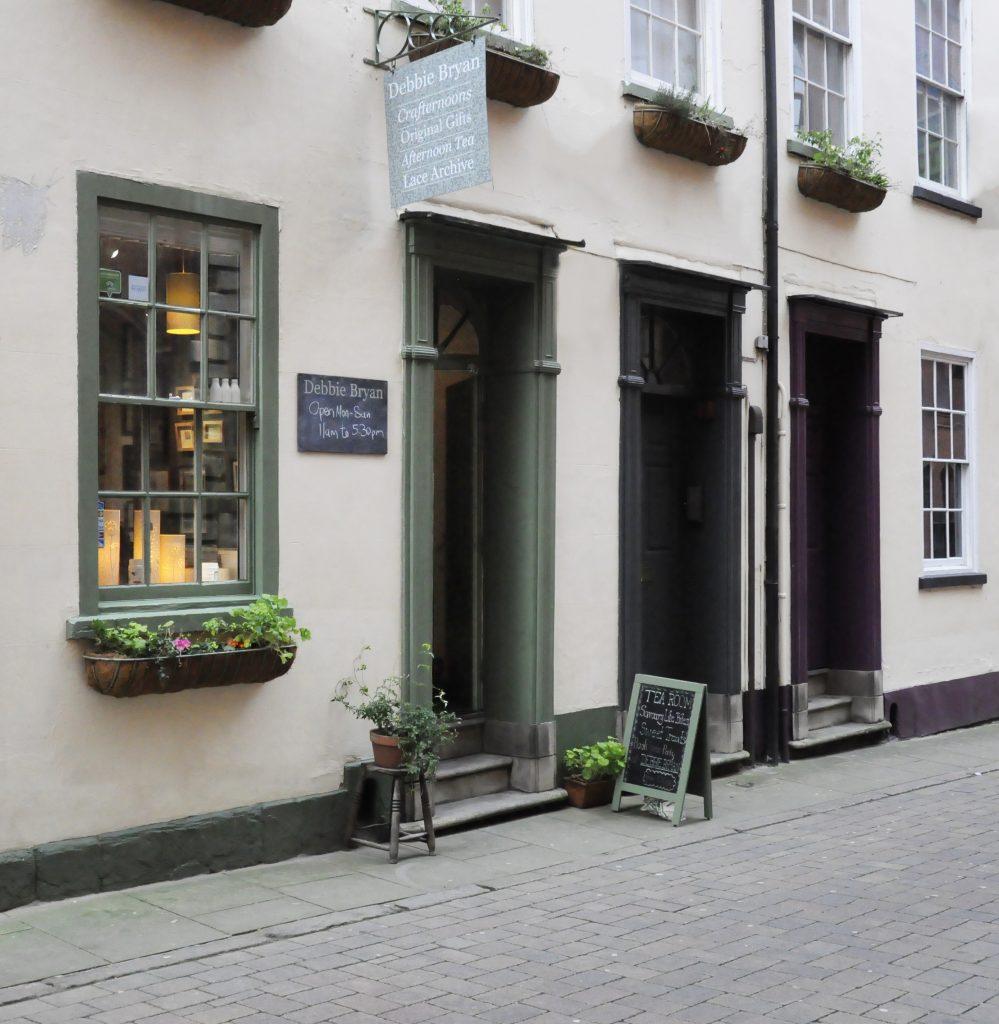 Debbie Bryan Lace Market | Shortrounds Knitwear