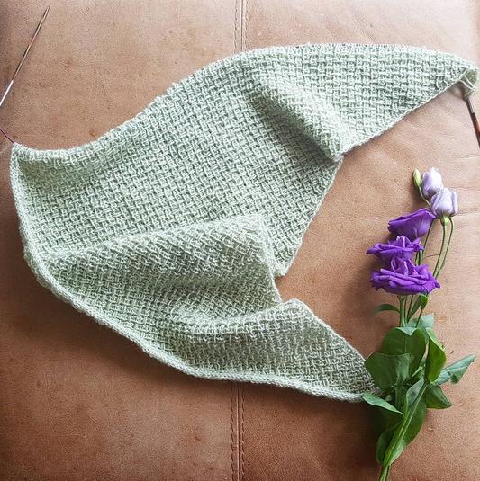 Hessian Shawl Shortrounds Knitwear