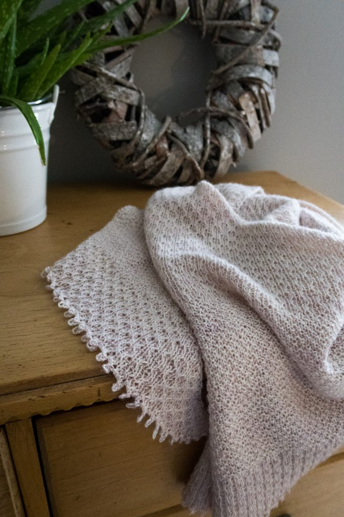 Hessian Shawl Shortrounds Knitwear