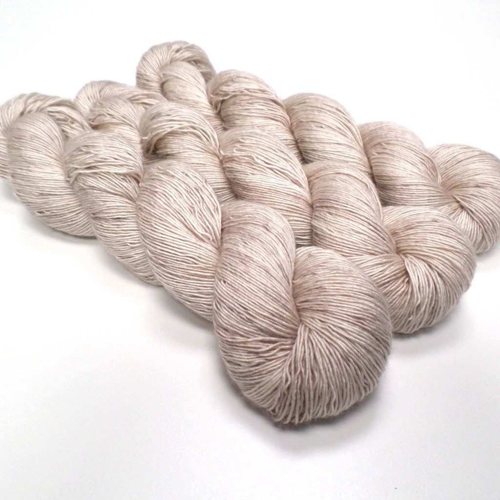 Skein Queen Selkino in Lady Philomore - Shortrounds Knitwear